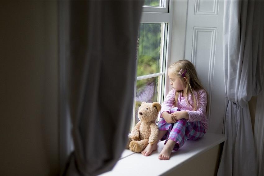 سوگ عزیزان، کمک کردن به کودکان عزادار