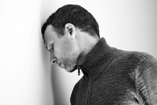 پشیمانی مردان بعد از جدایی- تصویر ۱- سایت تخصصی روانشناسی دکتر کامیار سنایی