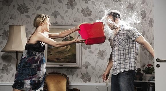 دعوای زن و شوهر- تصویر ۱- سایت تخصصی روانشناسی دکتر کامیار سنایی